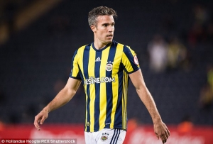 Feyenoord to unveil Robin van Persie Monday