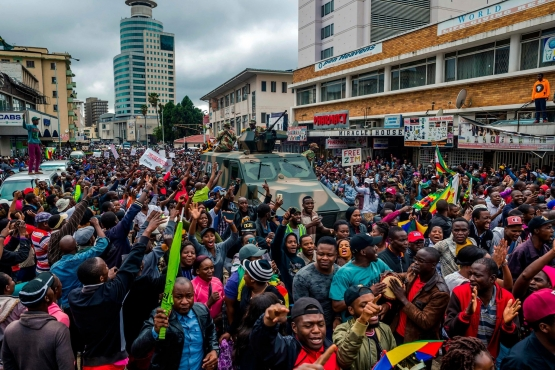 Protesters in Harare, Zimbabwe, on Saturday demanding that President Robert Mugabe step down after a military intervention. Credit Jekesai Njikizana/Agence France-Presse — Getty Images